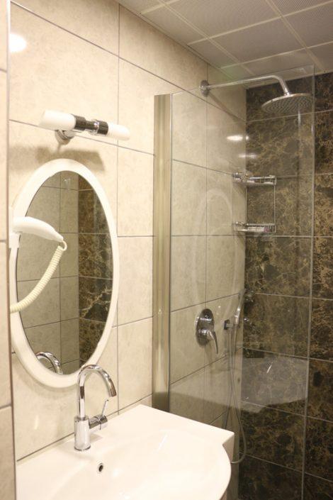 ılgaz akbak otel çift kişilik odalar, ılgaz akbak otel üç kişilik odalar, ılgaz akbak otel oda fotoğrafları, ılgaz akbak otel konforu