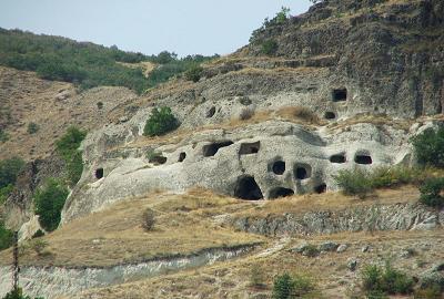 ılgaz kaya mezarları, ılgaz akbak otel